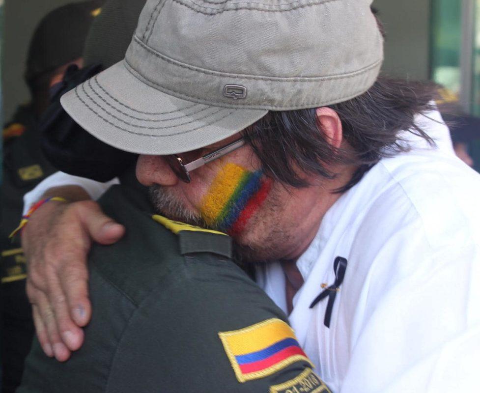 Cesar Lorduy asistió a marcha en solidaridad con la Policía Nacional de Colombia 3