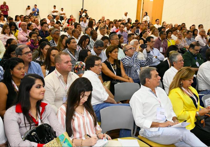 En Barranquilla, Lorduy asiste a foro por crisis regional de la salud 9