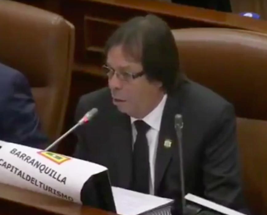 En plenaria de Cámara, Lorduy rechaza con vehemencia irrespeto de #Avianca por cambio de horario 3
