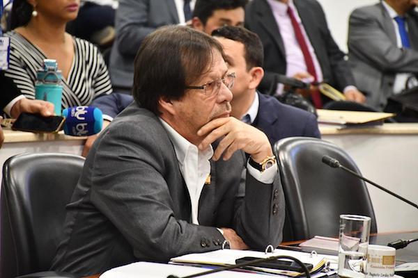 Desde comisión primera, Lorduy votó positivo para que Fiscal General sea escogido entre los 10 primeros por méritos que resulten de una convocatoria pública 1